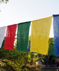 Gebetsfahnen aus Tibet - weiss, rot, grün, gelb, blau