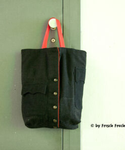 Upcycling Einkaufstasche schwarz aus recyclierten Feuerwehrkleidern